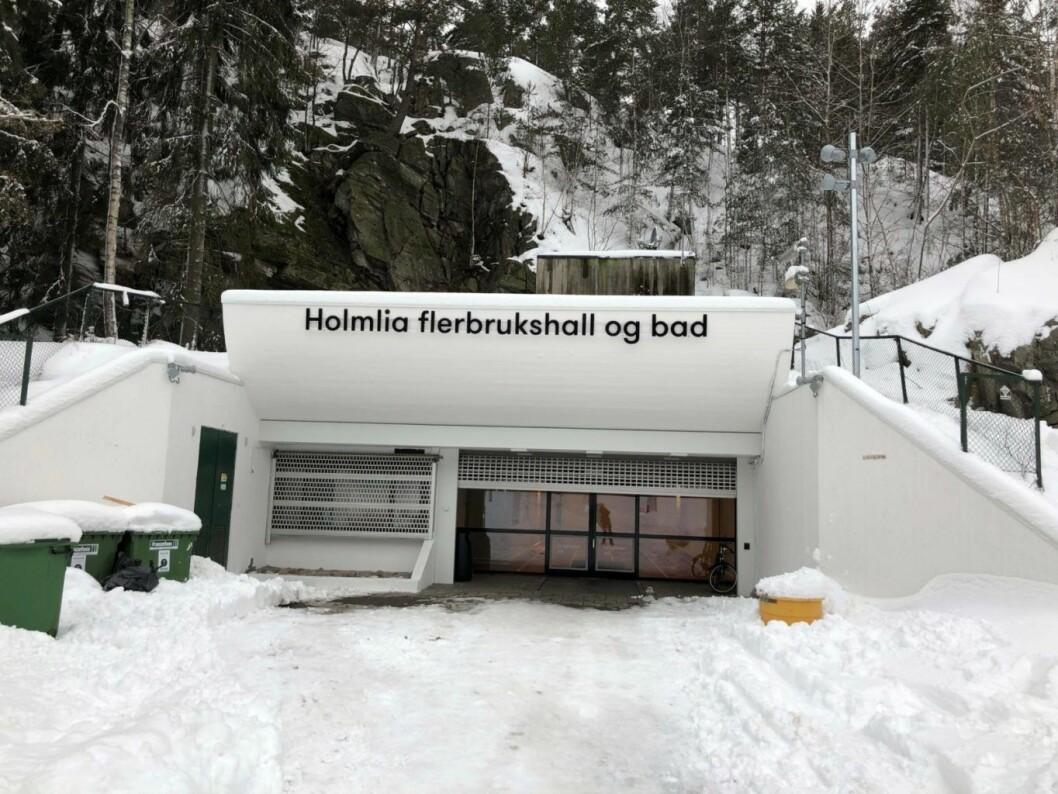 Holmlia bad var ikke lett å finne. Men viste seg å ligge inne i en fjellhall. Foto: Hans Bastian Borg