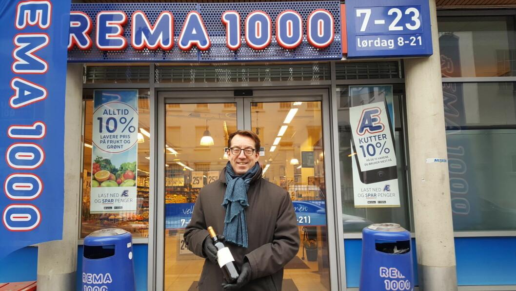 Hvis forslaget til Oslo Høyres Rune Aale-Hansen blir en realitet, blir det vinsalg på butikken. Her foran Rema1000 Trelastgården på Grønland i dag. Foto: Tarjei Kidd Olsen