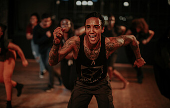 I april skal flere hundre danse denne dansen på Operataket. Lær den her
