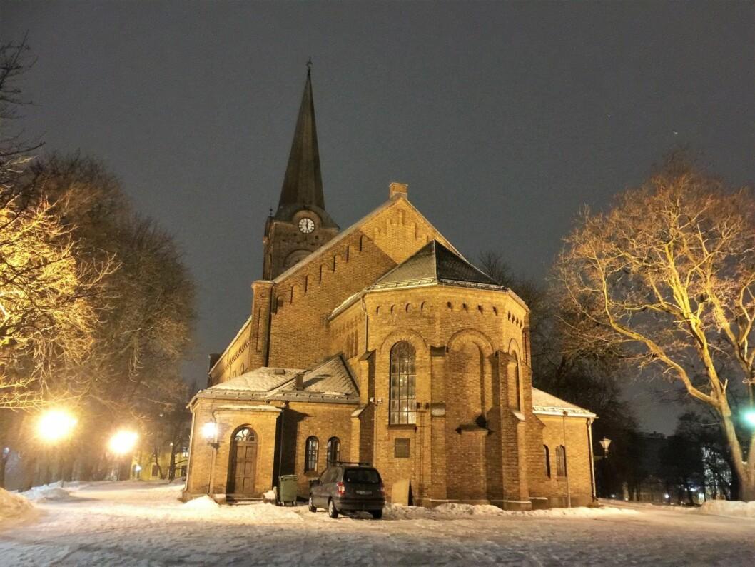 Sofienberg kirke i vakker kveldsbelysning. Foto: Kjersti Opstad