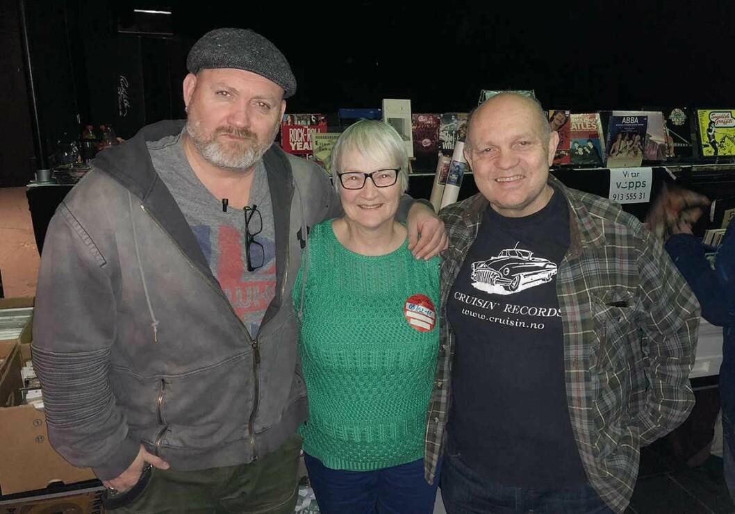 «The original three» som startet platmessen: (fra venstre) Knut Akselsen, Ingeborg Strømsæther (enken etter initiativtaker Arve Strømsæther) og Rune Halland. Foto: John Berge, Videomagasinet