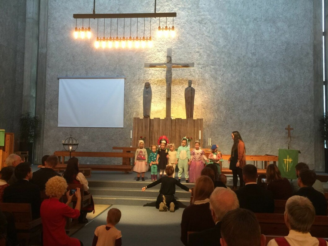 I Sinsen kirke var det karneval og rom for barn denne søndagen. Foto: Kjersti Opstad