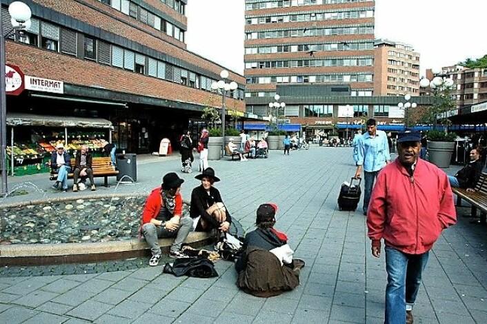 De siste årene har Tøyen torg blitt et populært sted for folk fra hele byen. Foto: Bjørn Bratten