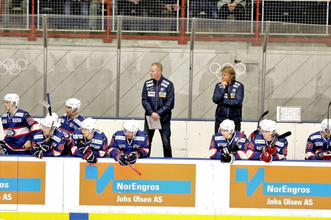 Roy Johansen, Espen Shampo Knutssen og VIF hockey går inn i et spennende sluttspill fra og med i morgen. Foto: Atle Enersen