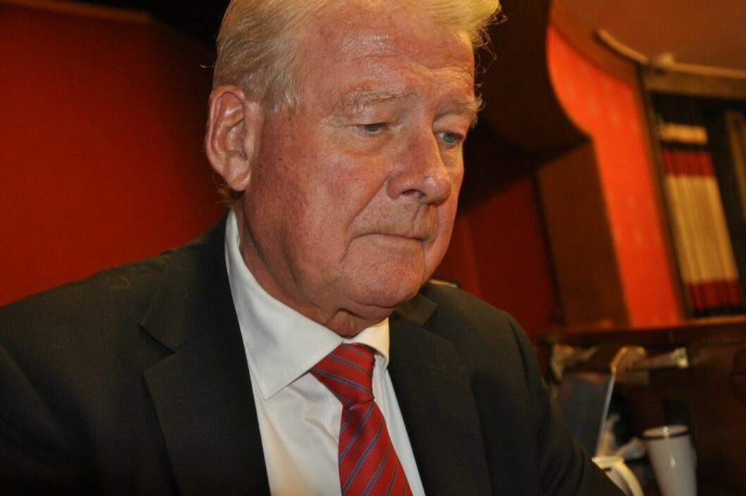Carl I. Hagen (Frp) viser til at Oslo-politikerne ikke har lovhjemmel til å forby bensin- og dieselbiler innenfor ring 3. Foto: Arnsten Linstad