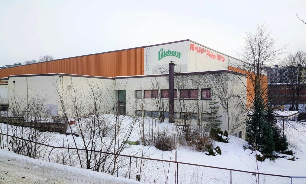 Det gamle lageret til Lilleborg fabrikker ved Akerselva østre bredd står tomt. Bygget skal rives og erstattes av skole, til stor glede for mange i Sagene bydel. Foto: Tarjei Kidd Olsen