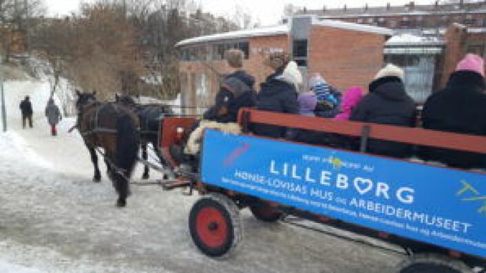 Her er de på vei opp Myraløkka mot Lilleborg torg. Foto: Tarjei Kidd Olsen