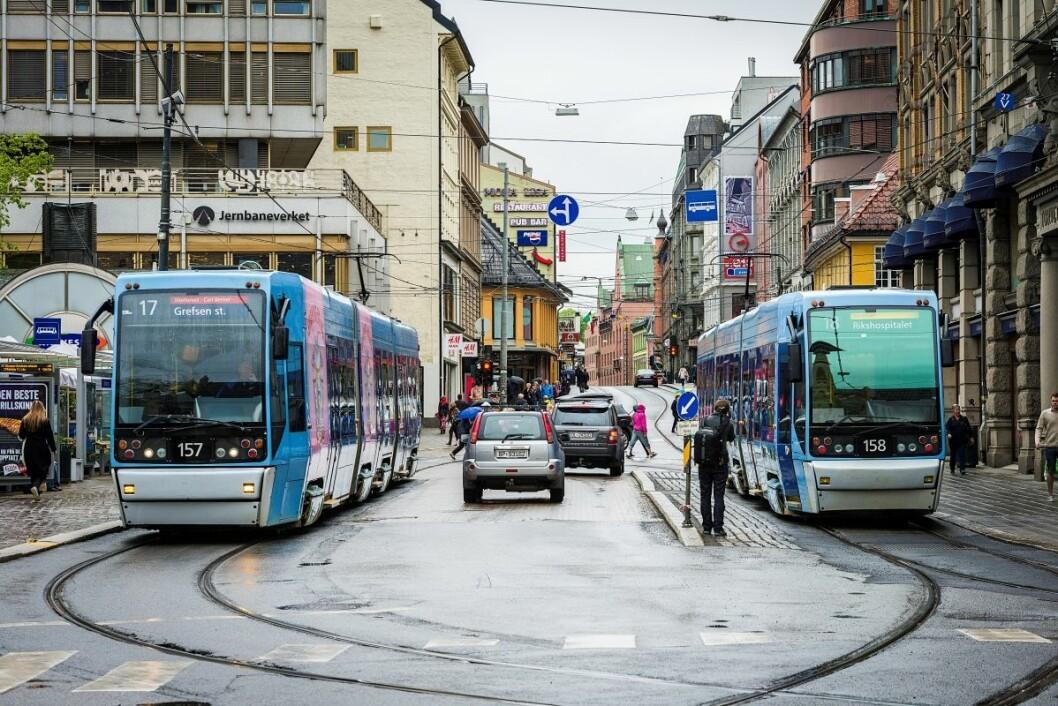 Endelig går trikkene gjennom sentrum igjen. Foto: Bonanza Grim Evensen / Ruter