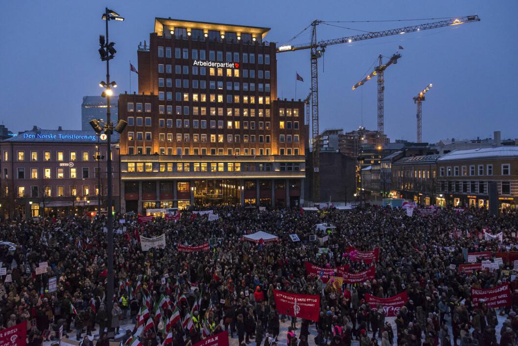 10.000 mennesker møtte opp på Youngstorget for å feire 8. mars. Foto: Morten Lauveng Jørgensen