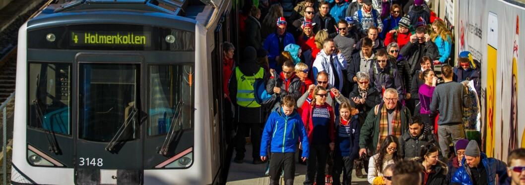 Det oppstod mye problemer da folk skulle hjem fra Holmenkollen lørdag kveld. Illustrasjonsfoto: Holmenkollen Skifestival / flickr.com