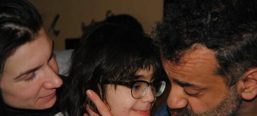 Multifunksjonshemmede Mitras (7) foreldre måtte ha 185 møter med hjelpeapparatet i fjor for at datteren skulle få forsvarlig hjelp