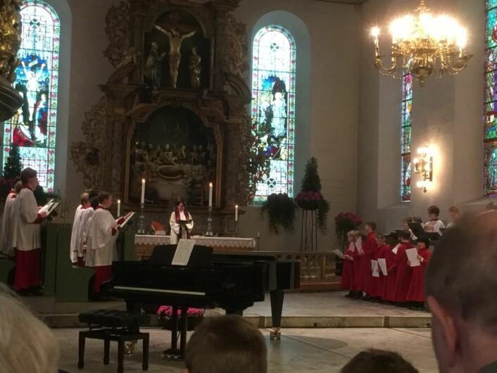 Domkirkens guttekor stemmer i med spirituals, frigjøringssalmer. Foto: Kjersti Opstad