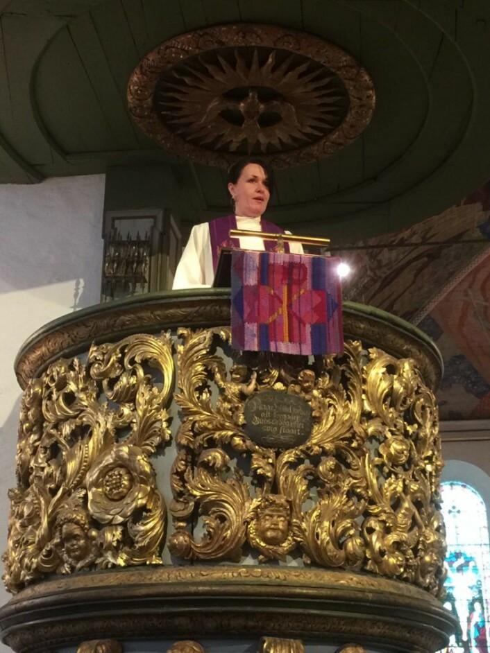 Domkirkeprest Valborg Orset Stene forteller at det kristne budskap er et frihetsbudskap. Foto: Kjersti Opstad
