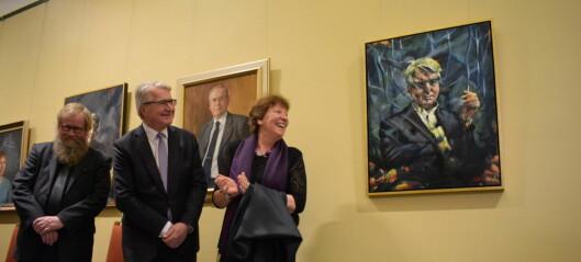 Fabian Stang, Oslos ordfører gjennom åtte år, har fått sitt portrett på veggen i ordførergangen i Rådhuset