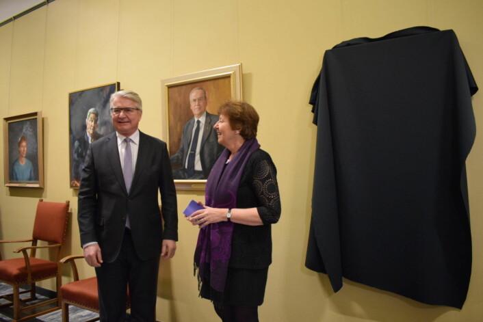 Før avdukingen. Nåværende ordfører Marianne Borgen holder tale på Fabians store dag. Foto: Memoona Saleem