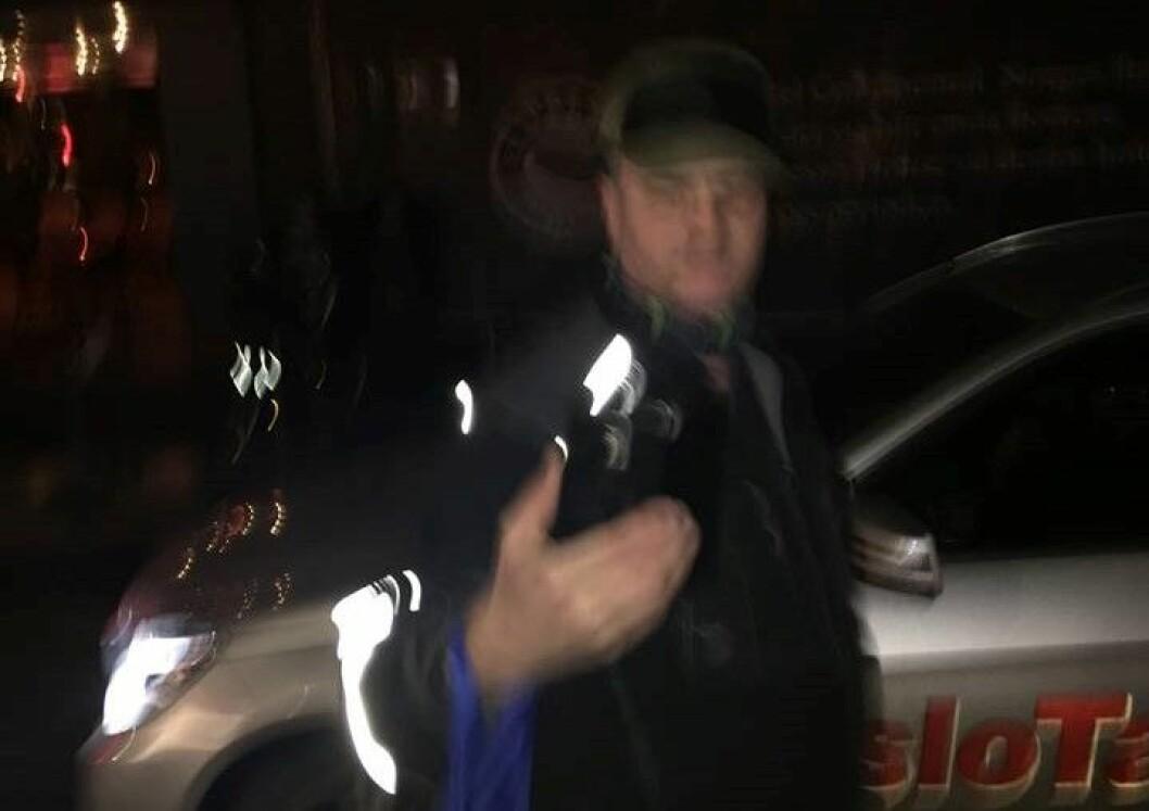 Denne mannen ropte opp navnet til Mina etter den offentlige filmvisningen. Han fremsto som truende. Foto: Mina Adampour