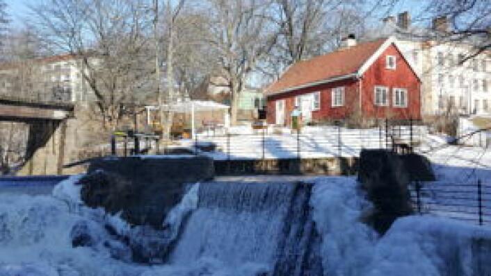 Hønse-Lovisas hus ligger rett ved det som mange mener er den flotteste fossen i Akerselva. Foto: Tarjei Kidd Olsen