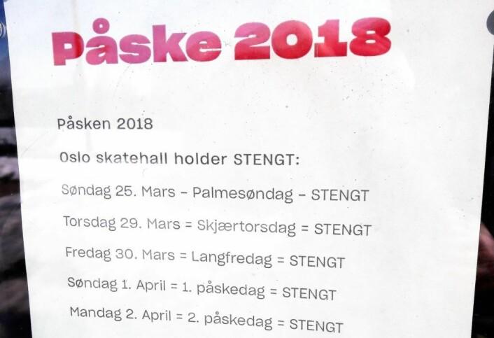 Mange holder åpent i påsken, etter at forordningen om helgefred ikke lenger er gjeldende. Oslo skatehall er imidlertid stengt hver dag utenom lørdag. Dessverre for alle skatehungrige i byen. Foto: Anders Høilund