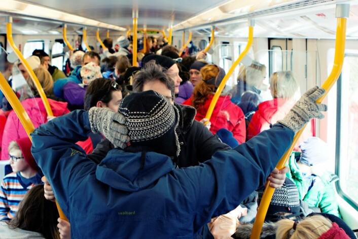 T-banen blir overfylt hvis det blir storstreik og bussene står på mandag. Foto: Charlotte Sverdrup/Ruter