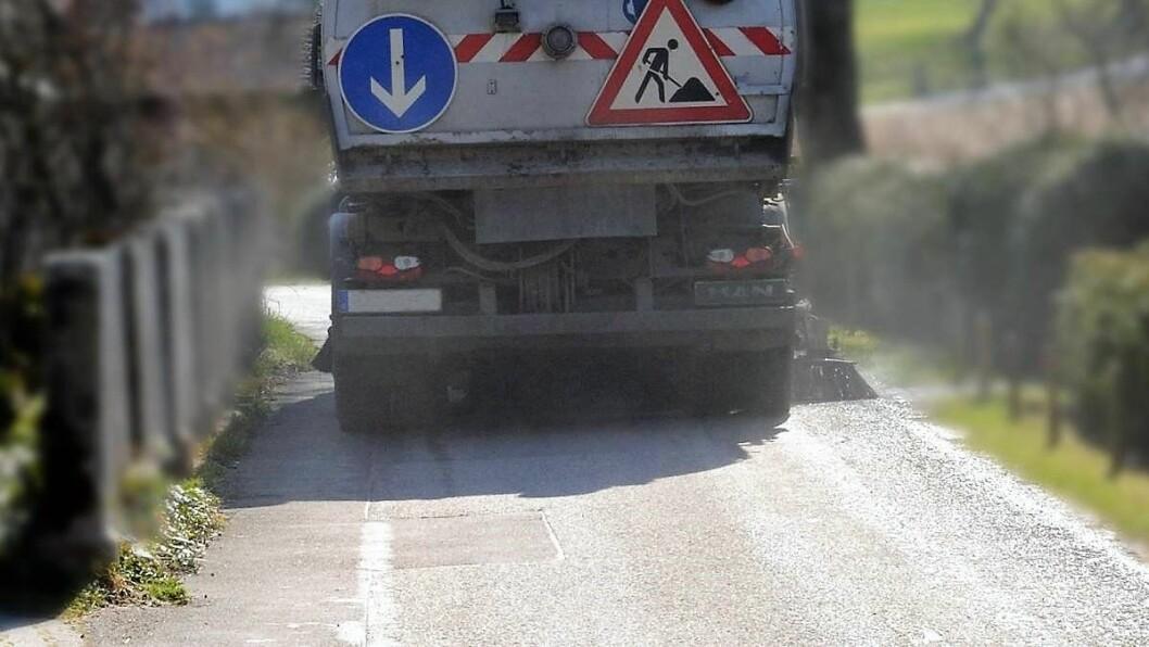 Vårrengjøringen av riksveiene starter. Ta hensyn til ryddepersonalet. Illustrasjonsfoto: Elverum kommune
