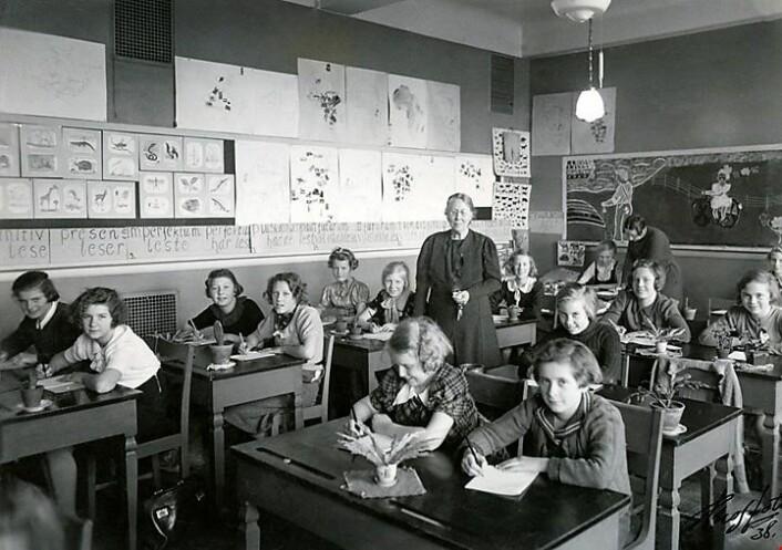Anna Sethne var pedagog og banebryter for nye pedagogiske metoder i grunnskolen. Sethne var overlærer ved Sagene skole mellom 1919 og 1938.