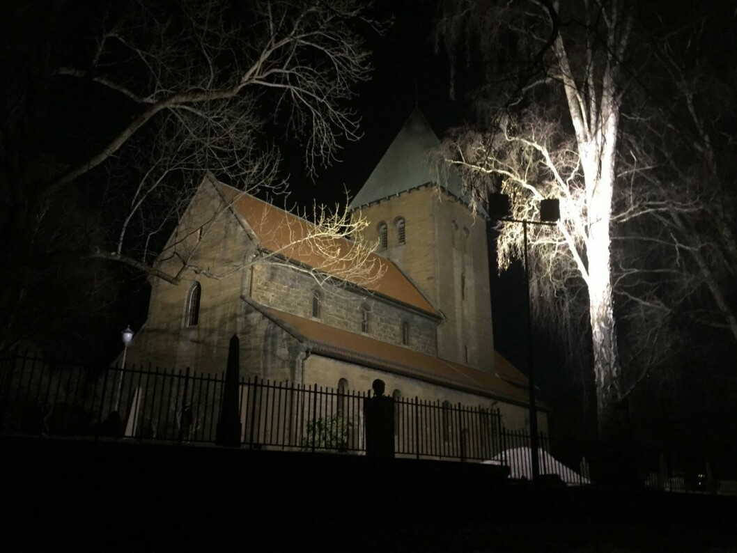 Påskenattsmesse i Oslos eldste kirke. Foto: Kjersti Opstad
