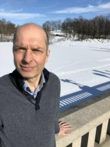 Bjørn Solheim er leder for Frogner svømmeklubb og ønsker et kraftig løft for badet. Foto: Stian Maurveg