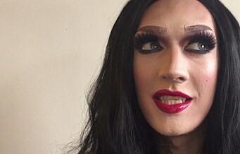 Andreas er en 2,10 meter høy drag queen. Se forvandlingen