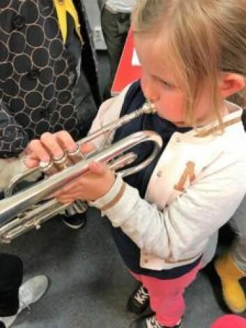 Kornettist i Grünerløkka skoles musikkorps. Foto: Elisabeth H. Todal