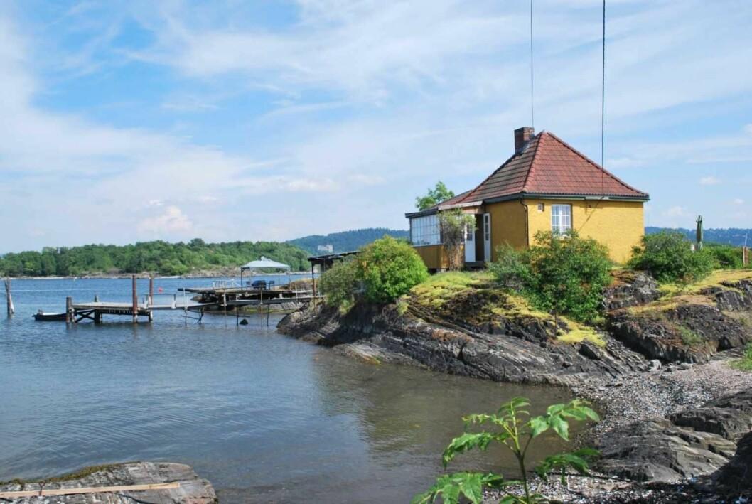 Eter 20 års ventetid er reguleringsplanen for Lindøya og de andre øyene i Oslos havnebasseng endelig godkjent. På bilde er Lindøya vaktstue. Foto: Helge Høifødt / Wikimedia Commons