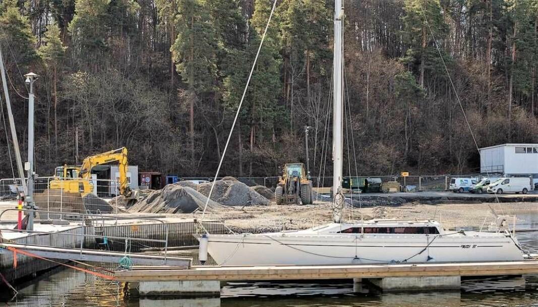 Kommunens brudd på stoppordre fra Fylkesmannen i arbeidet med mudring i Bestumkilen har gitt kommunen en bot på 200.000 kroner.