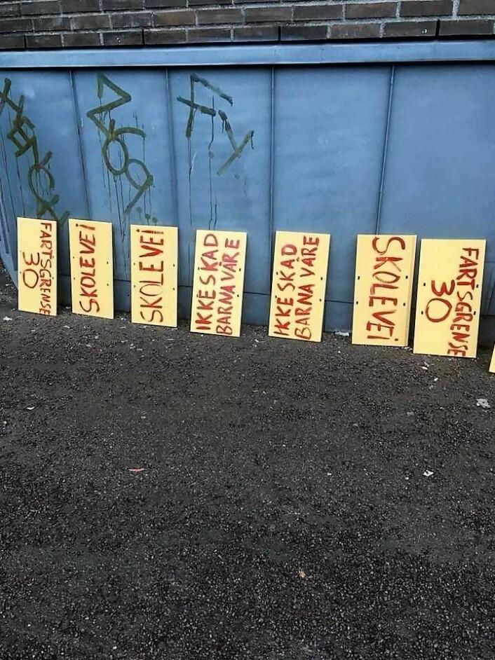 Budskap fra beboerne i Strømsveien. Foto: Aksjon Strømsveien
