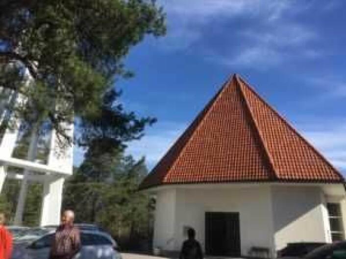 Bygdøy kirke sett forfra. Foto: Kjersti Opstad