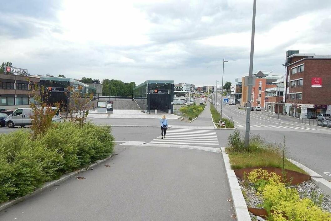 Like ved Ensjø t-bane drev 65-åringen bilsalg og utleie av hybler og leiligheter. Samtidig svindlet han NAV for 1,7 millioner kroner. Foto: Wikimedia
