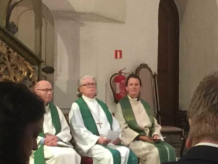 Biskop emeritus Tor B. Jørgensen i midten. Foto: Kjersti Opstad