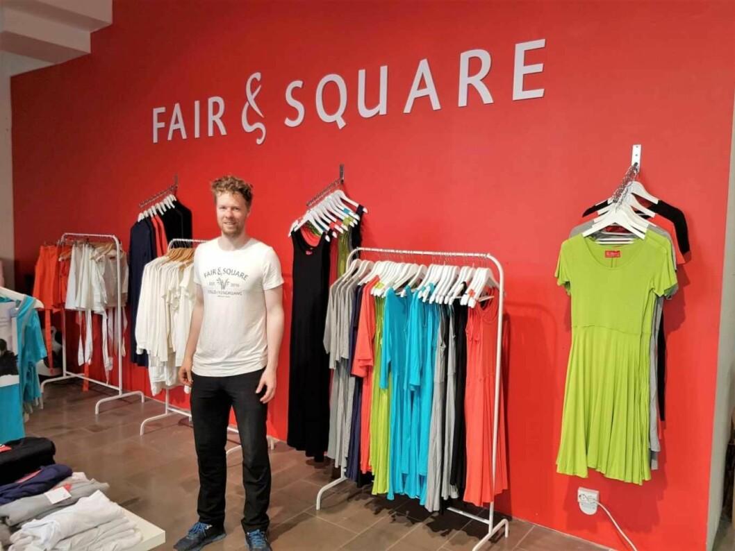 – Fair & Square ble startet for å være med på å endre tekstilbransjen, sier daglig leder Sigmund Hegstad (30). Foto: Nikolai Tangnes