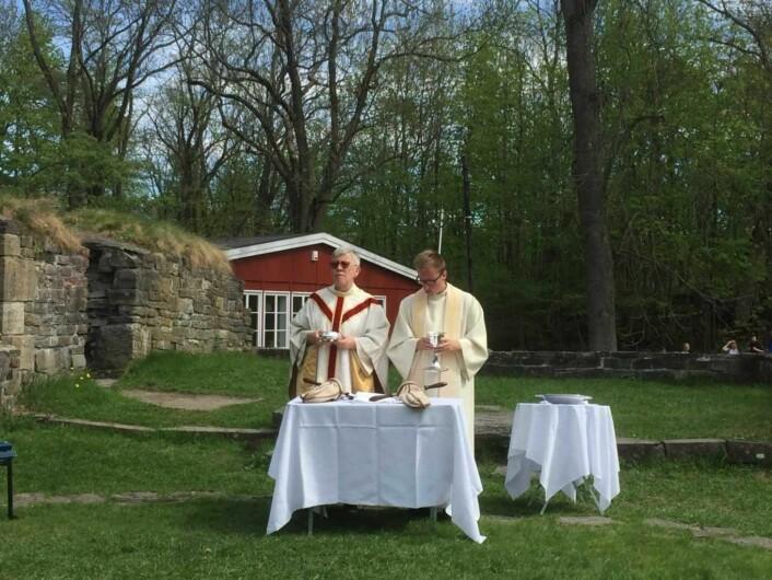 Liturger under denne høymessen var sogneprest Signe Fyhn og Gaute Granlund. Foto: Kjersti Opstad
