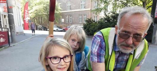 Lilleborgelever gir livsviktig hjelp til humler og bier når de pynter og planter i Vogts gate før 17. mai