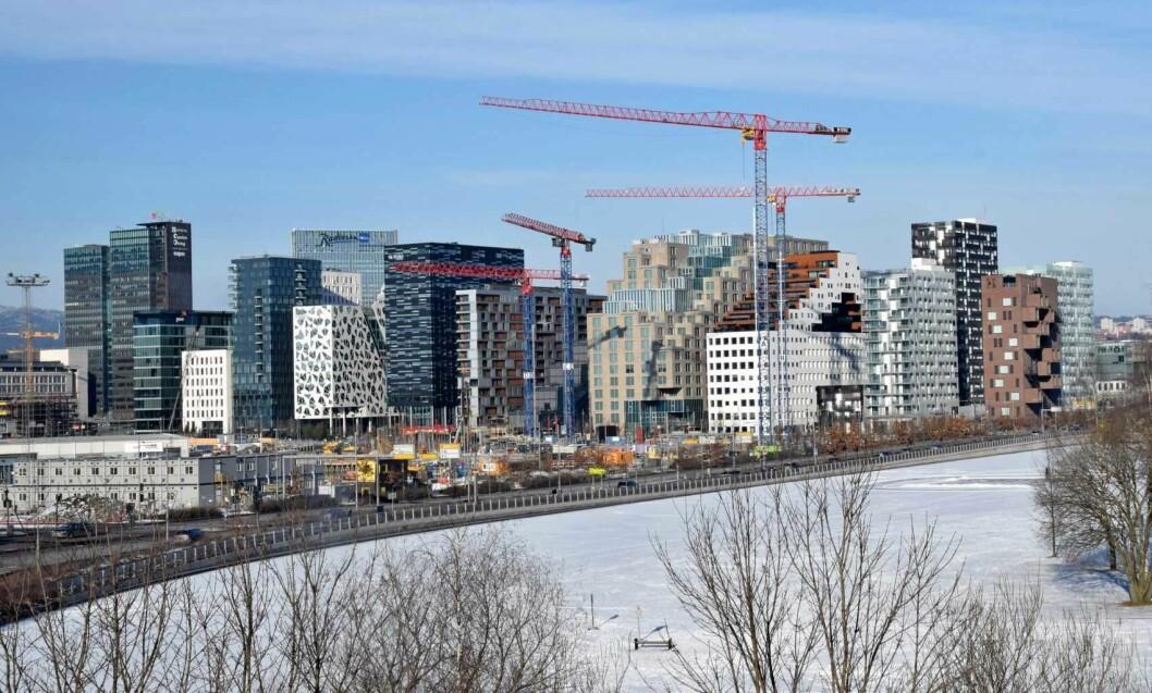 Barcode og operaen er blitt det nye ansiktet på Oslo. Her sett fra Sørenga. Foto: Helge Høifødt / Wikimedia Commons
