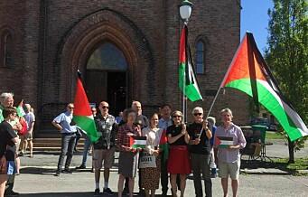 Hun må dø alene, den lille palestinske jenta. På Kampen kirke med palestinaflagg og sørgebånd