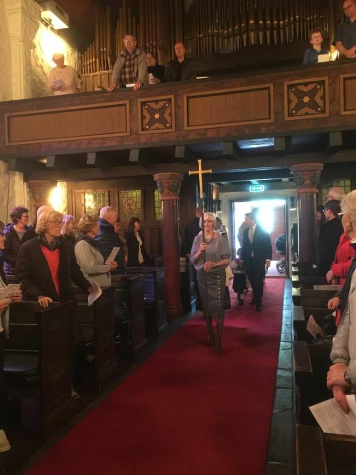 Prosesjon i Ljan kirke. Foto: Kjersti Opstad
