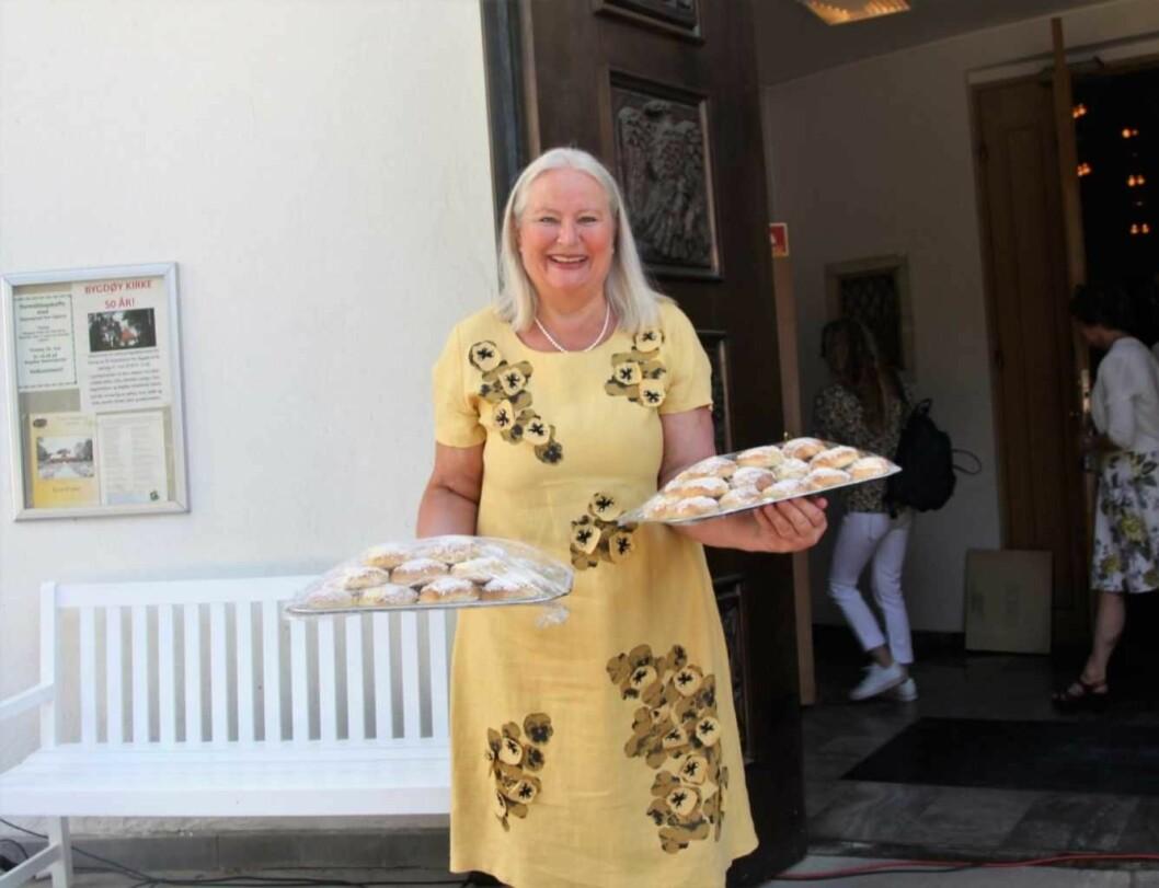 Cathrine Nordlie sto for bakst da Bygdøy kirke fylte 50 år. Foto: Hans M. Borge