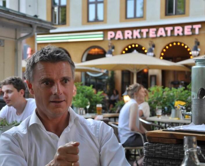 � Det må være lov å påpeke skadevirkningene ved alkohol uten å være moralist. Men utelivsbransjen i Oslo er veldig skikkelig, mener næringsbyråd Kjetil Lund (Ap). Foto: Arnsten Linstad