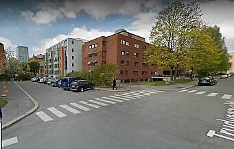 En liten gatestump på Majorstua ble «melkeku» for kommunens parkeringsvakter, ifølge illsint nabo