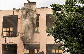 I dag forsvant taket på Ruseløkka skole. Etter 147 år. Se bildene