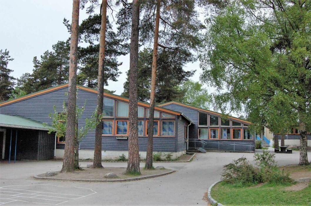 Mange mennesker velger å bo i bydel Østensjø, på grunn av denne skolen, Norges største skole for hørselshemmede, Vetland skole. Foto: Hans-Petter Fjeld / Wikipedia