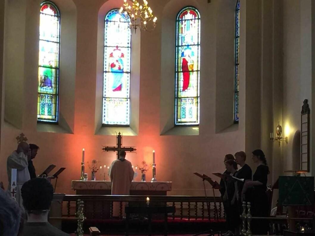 Gudstjeneste i Grønland kirke med vakker gregoriansk sang og kunstnerpreken. Foto; Kjersti Opstad