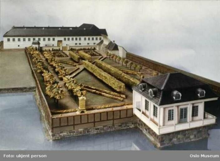 Paléhaven lå der Plata ligger nå. Sørøst for Østbanehallen lå en flott park med allé. Foto: Oslo museum