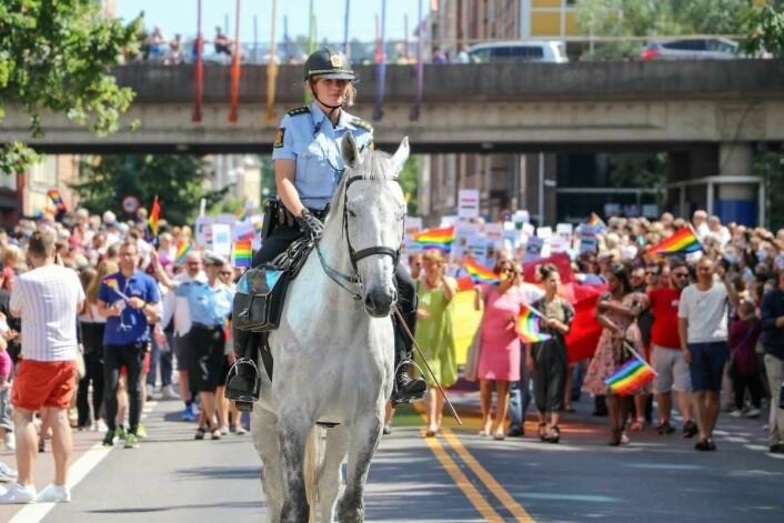 Ridende politi foran Pride paraden i 2016. Foto: Erik F. Brandsborg/Humanetisk forbund