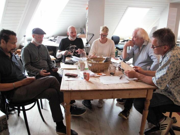 Bak lørdagens festival finner du noen av Oslos mest rutinerte kulturringrever. Fra venstre Cliff Moustache, Dominic Wilson, Håvve Fjell, Ingvild Hammer, Jo Skjønberg og Jarl Solberg. Foto: Tor A. Svendsen